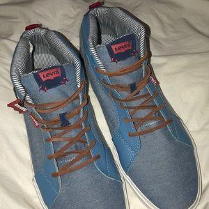 Levi's men's size 13 new shoes